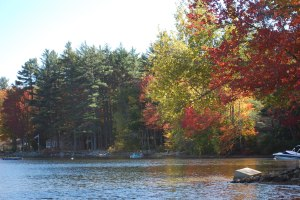 Autumn_Pleasant_lake