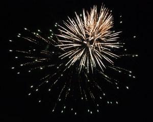 fireworks_Pleasant_Lake_2012_05