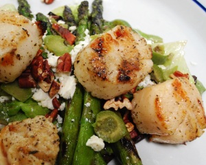 grilled_scallop_asparagus_salad_01