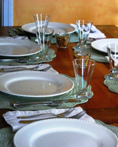 table_set_for_dinner_01