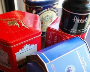 tea_tins_04