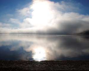 pleasant_lake_autumn_clouds_sun_01