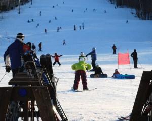 skiing_at_Ragged