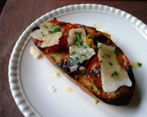 grilled_tomato_crostini_03