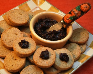 Gorgonzola_Walnut_Shortbread_Savory_Fig_Jam_02