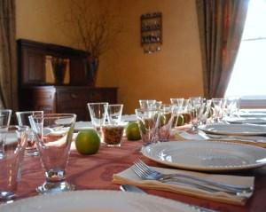 table_set_for_dinner_02