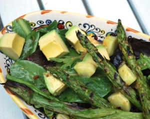Mixed Greens_Grilled_Asparagus_Cucumber_Avocado_04