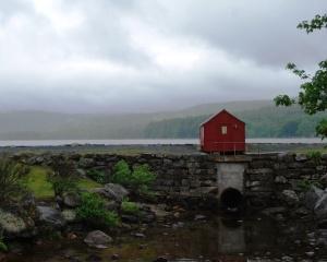 dreary_day_Elkins_Dam